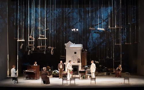 戏剧舞台场景设计图片